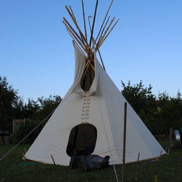 Übernachtung im Tipi-Zelt